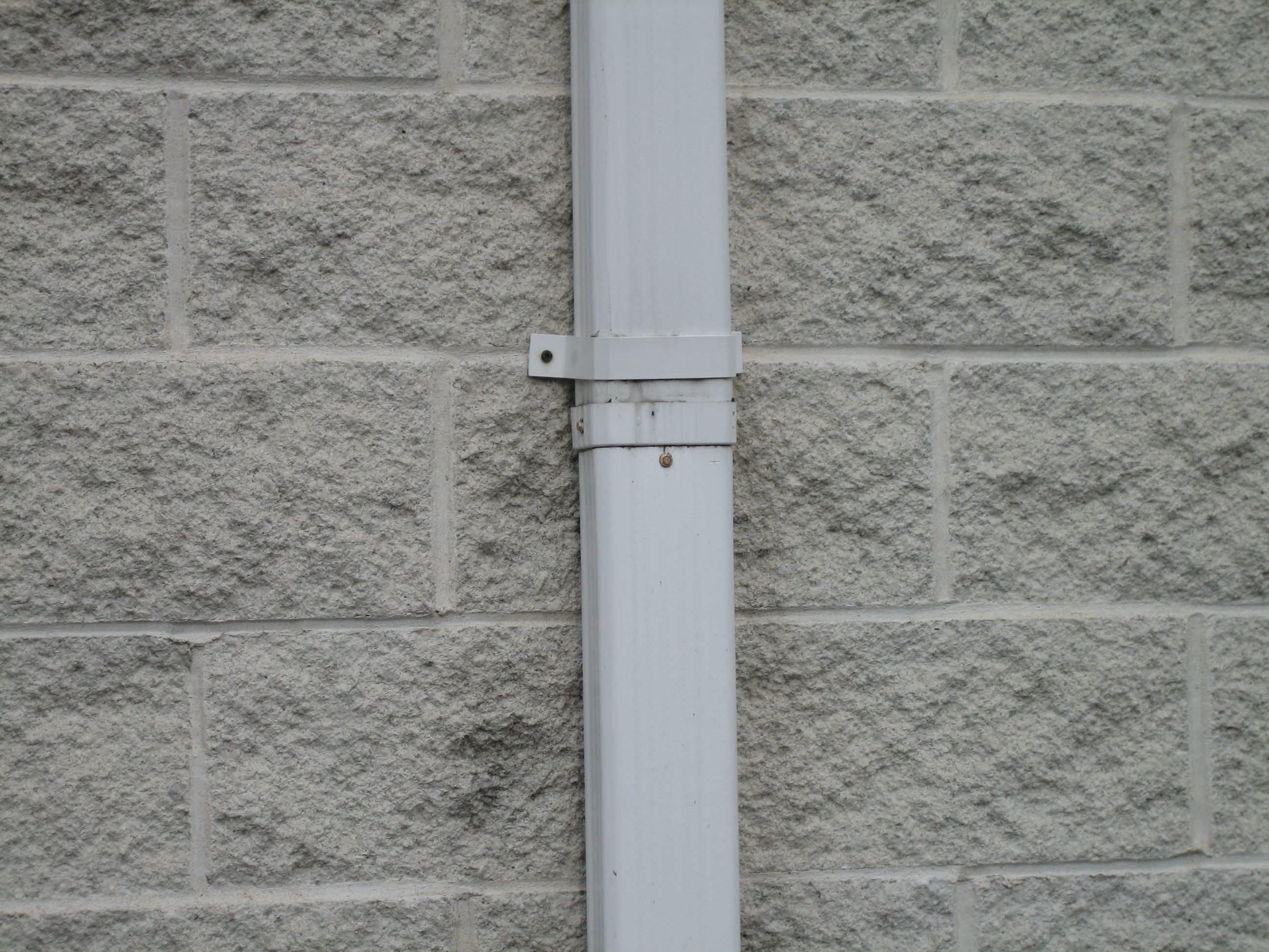 Tapcon Screws in Brick | CONFAST